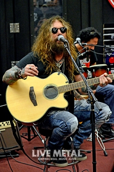 TheDeadDaisies_GuitarCenter083118_8