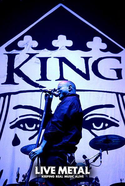 King 810 Debuts A Million Dollars Live Metal